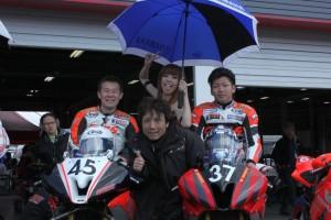 チーム監督後藤さんを含むGBSレーシングチーム