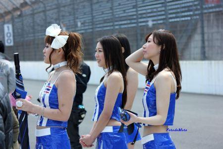 タイヤマハの表彰台に集まったチームRQ