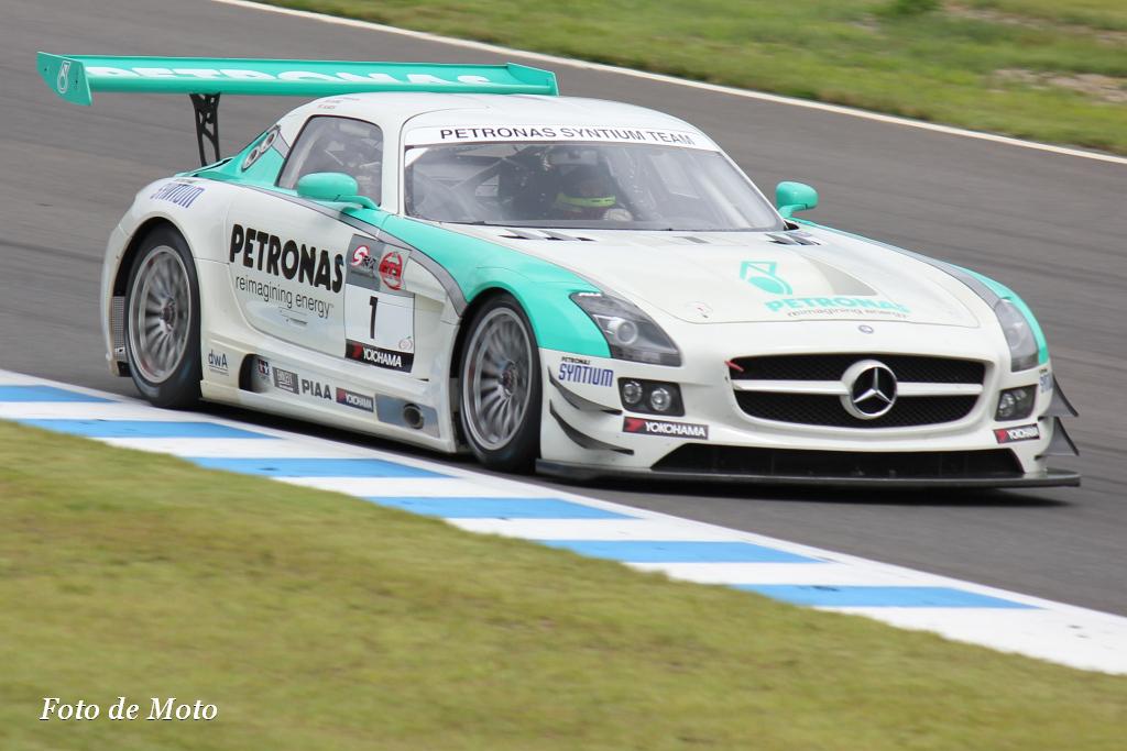 GT3 GT3 #1 PETRONAS SYNTIUM SLS AMG GT3 Melvin Moh Dominic Ang 谷口 信輝
