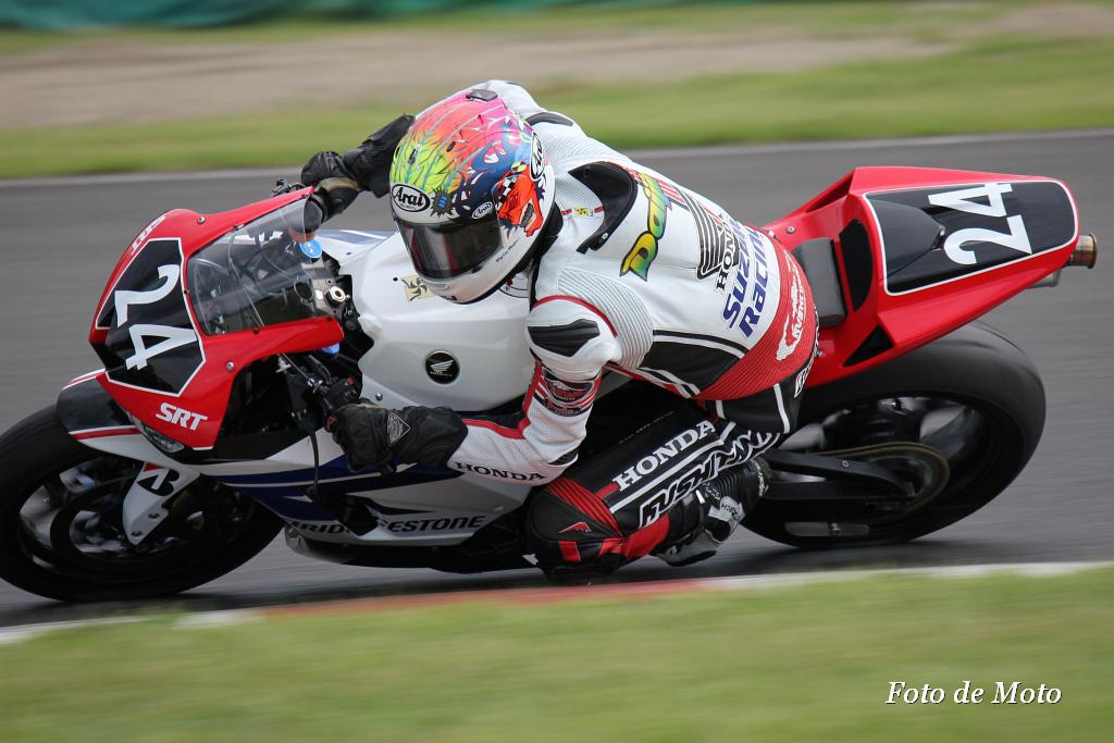 ST600 #24 HONDA 鈴鹿レーシングチーム 日浦 大治朗 Hiura Daijiro Honda CBR600RR
