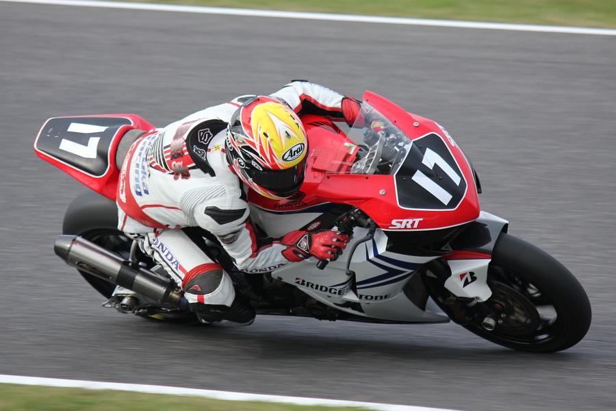 JSB1000 #17 Honda鈴鹿レーシングチーム 安田 毅史 Honda CBR1000RR