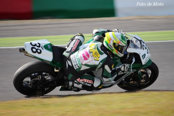 ST600 #38 MOTOBUM HONDA 榎戸 育寛 Honda CBR600RR