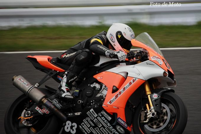 JSB1000 #83  DOG FIGHT TEAMJP AU Mark Aitchison YAMAHA YZF-R1