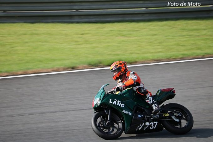 もて耐NST-CBR #37 Team LANG with MRSK 中村 勝美/横尾 康一/星 智也/澤口 伸 Honda CBR250R