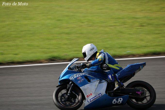 もて耐WT #68 ライディングスポーツファイヤ68 梅田 虎太郎/竹村 宏光/藤 善行/玉田 敬済 Yamaha YZF-R25