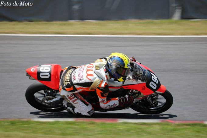 J-GP3 #090 au·テルル MotoUP RT 藤井 謙汰 HONDA NSF250R