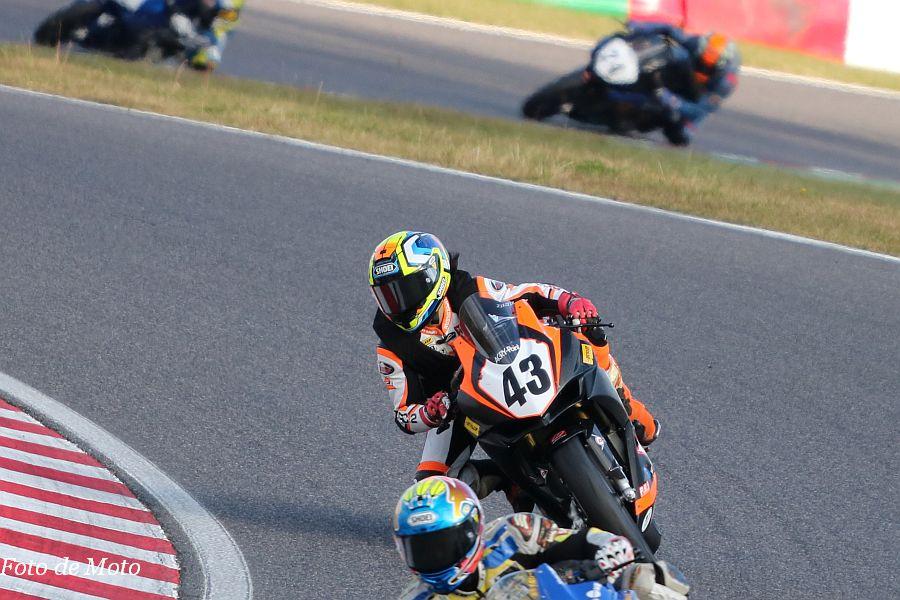 JP250 #43 TEAM TEC·2 笠井 杏樹 Honda CBR250RR