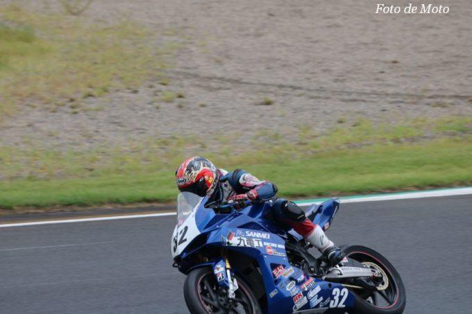 WT #32 Team SANMEI 石塚 桂三 鈴木 基裕 赤間 清  Honda CBR250RR