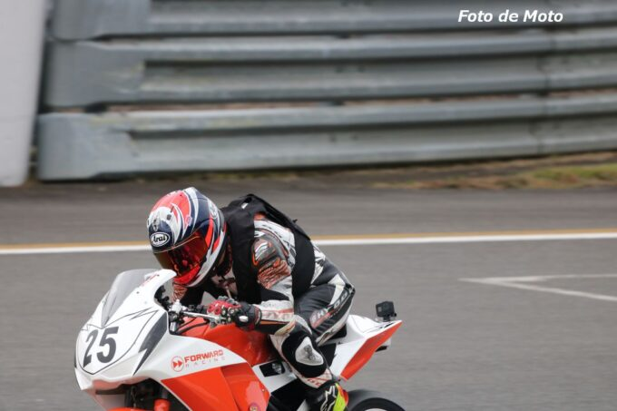 ST250S #25 弾Run部RT  市川 貴志 Honda CBR250R